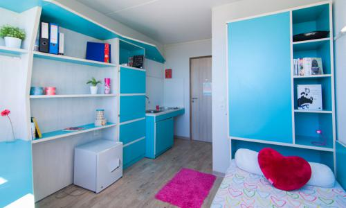 H bergement courte dur e r sidence baie des anges nice for Chambre 9m2 crous